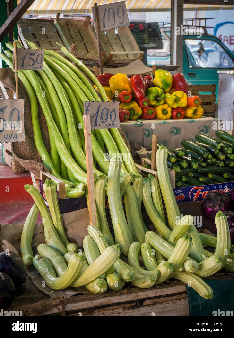 Varieties of courgettes on sale in The Ballaro Market in the Albergheria district of central Palermo, Sicily, Italy. - Stock Image
