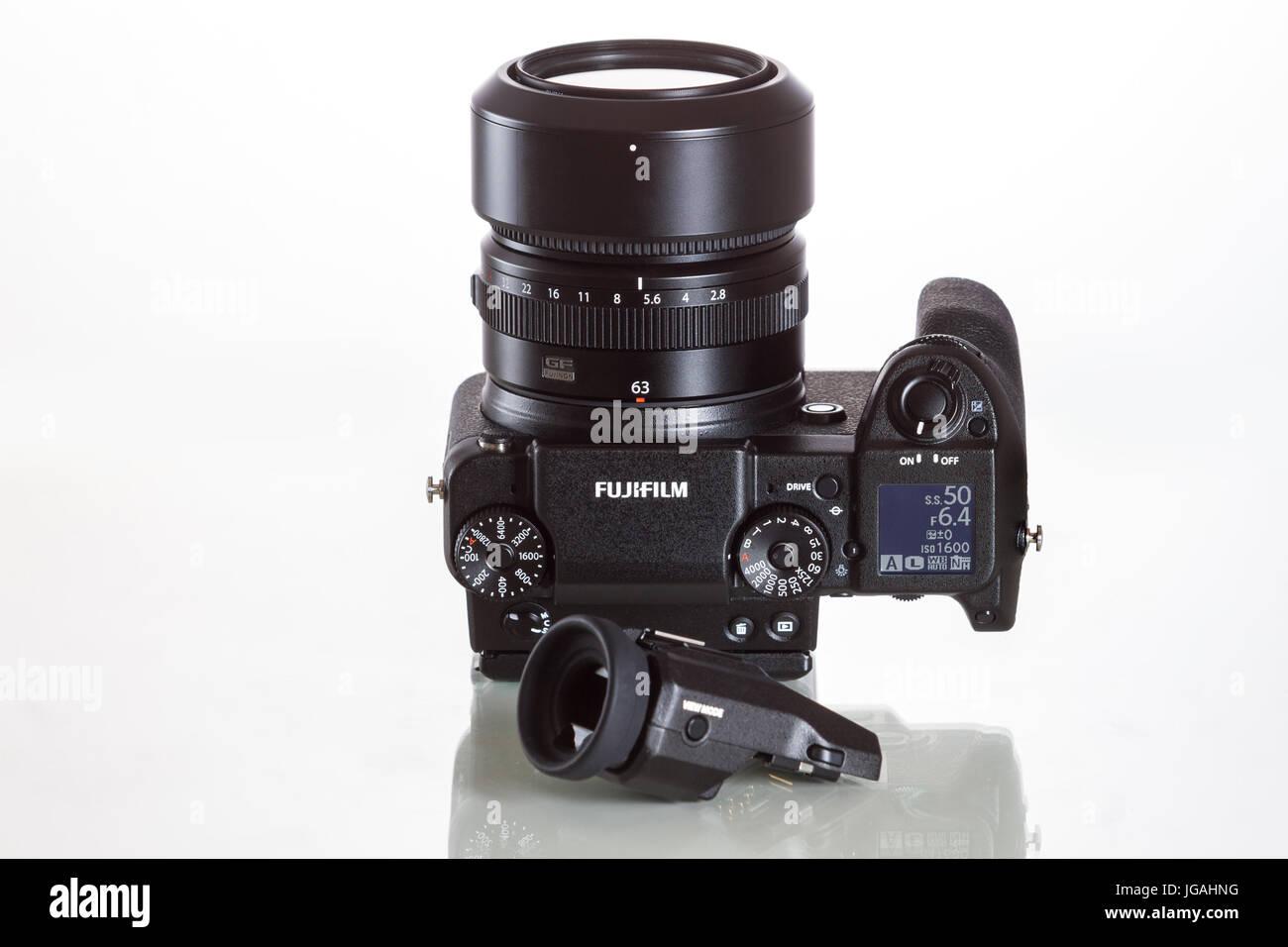 Fujifilm GFX 50S, 51 megapixels, medium format sensor digital camera with additional electronic viewfinder 3.69M - Stock Image