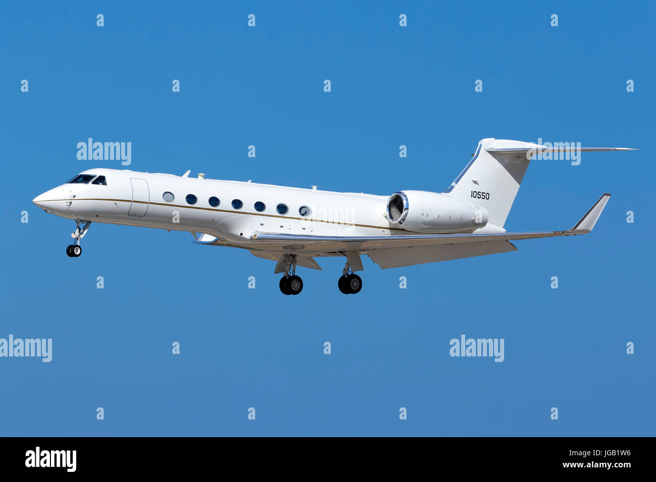 US Air Force Gulfstream Aerospace C-37B Gulfstream G550 (G-V-SP) [11-0550] on finals runway 31. - Stock Image