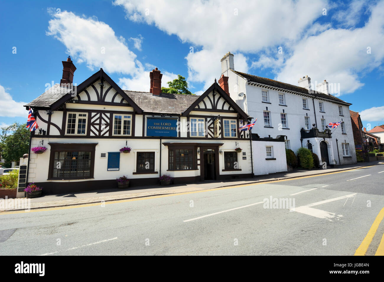 Audlem - The Lord Combermere public house in the Cheshire Village of Audlem. The Shropshire Union canal passes through - Stock Image