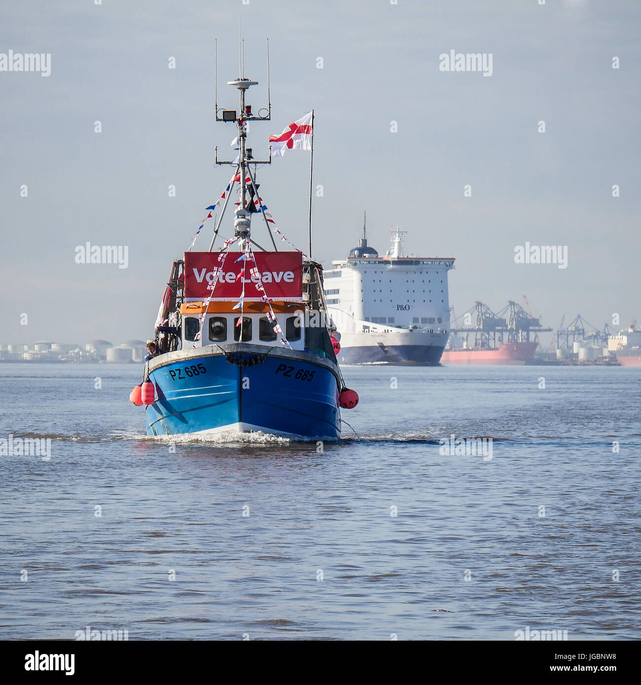 A fishing boat supporting the leave the European Union referendum, part of the protest flotilla in The river Humber. - Stock Image