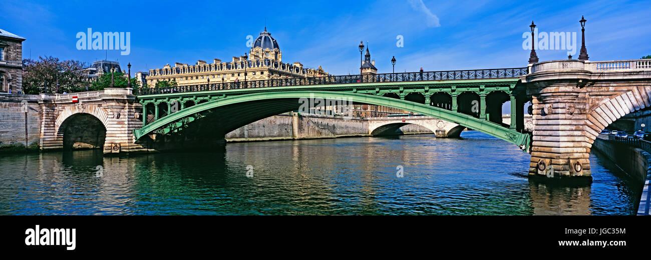 Pont Notre Dame Bridge, Paris, France - Stock Image