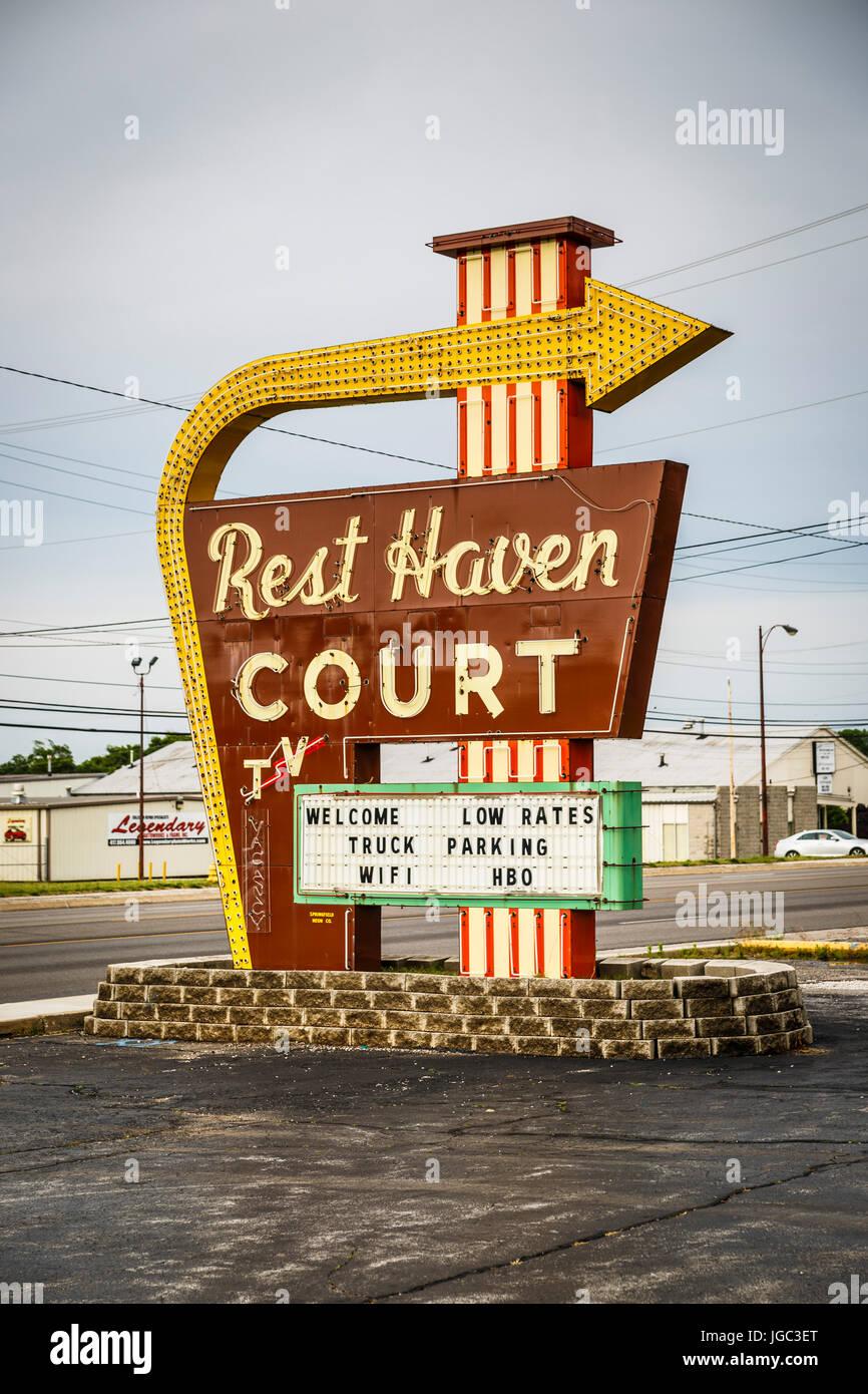 Motel, Historic Route 66, Springfield, Missouri, USA - Stock Image