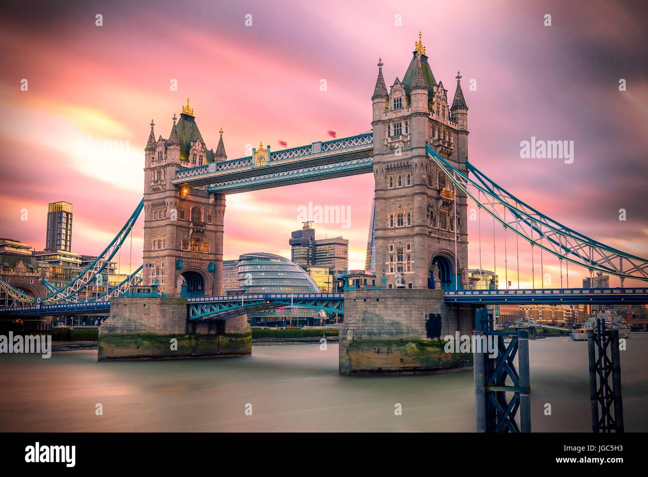 Tower bridge (London city) at sunset - Stock Image