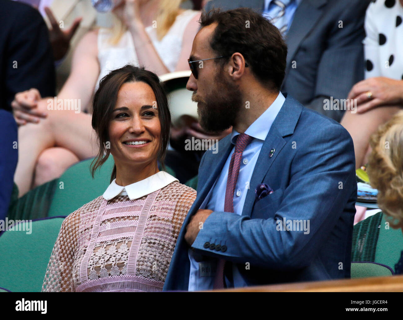 Pippa Middleton High Resolution Stock Photography And Images Alamy,White Kitchen Cabinets With Carrara Marble Countertops