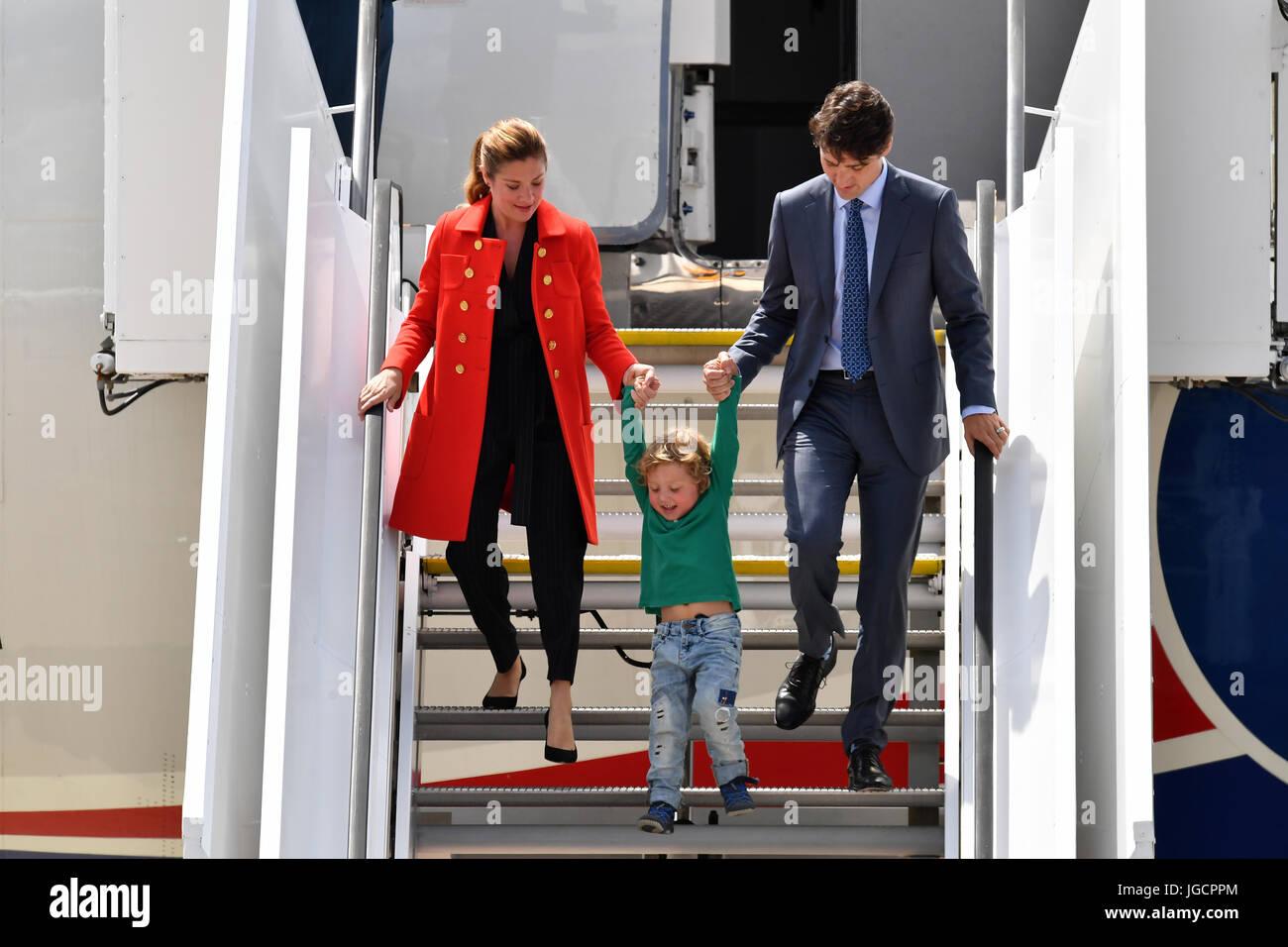Der kanadische Premierminister Justin Trudeau (r), seine Ehefrau Sophie Gregoire (l) und ihr jüngster Sohn - Stock Image