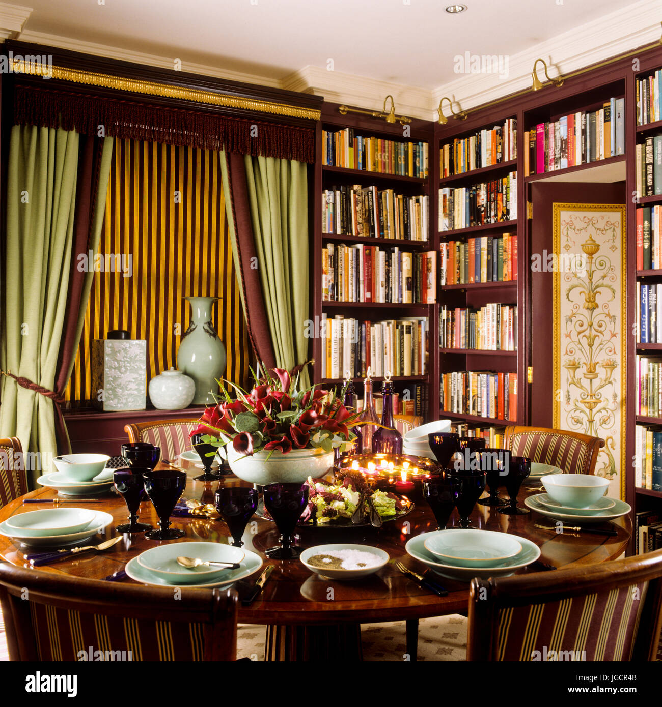 Victorian Dining Room: Victorian Dining Room Stock Photos & Victorian Dining Room