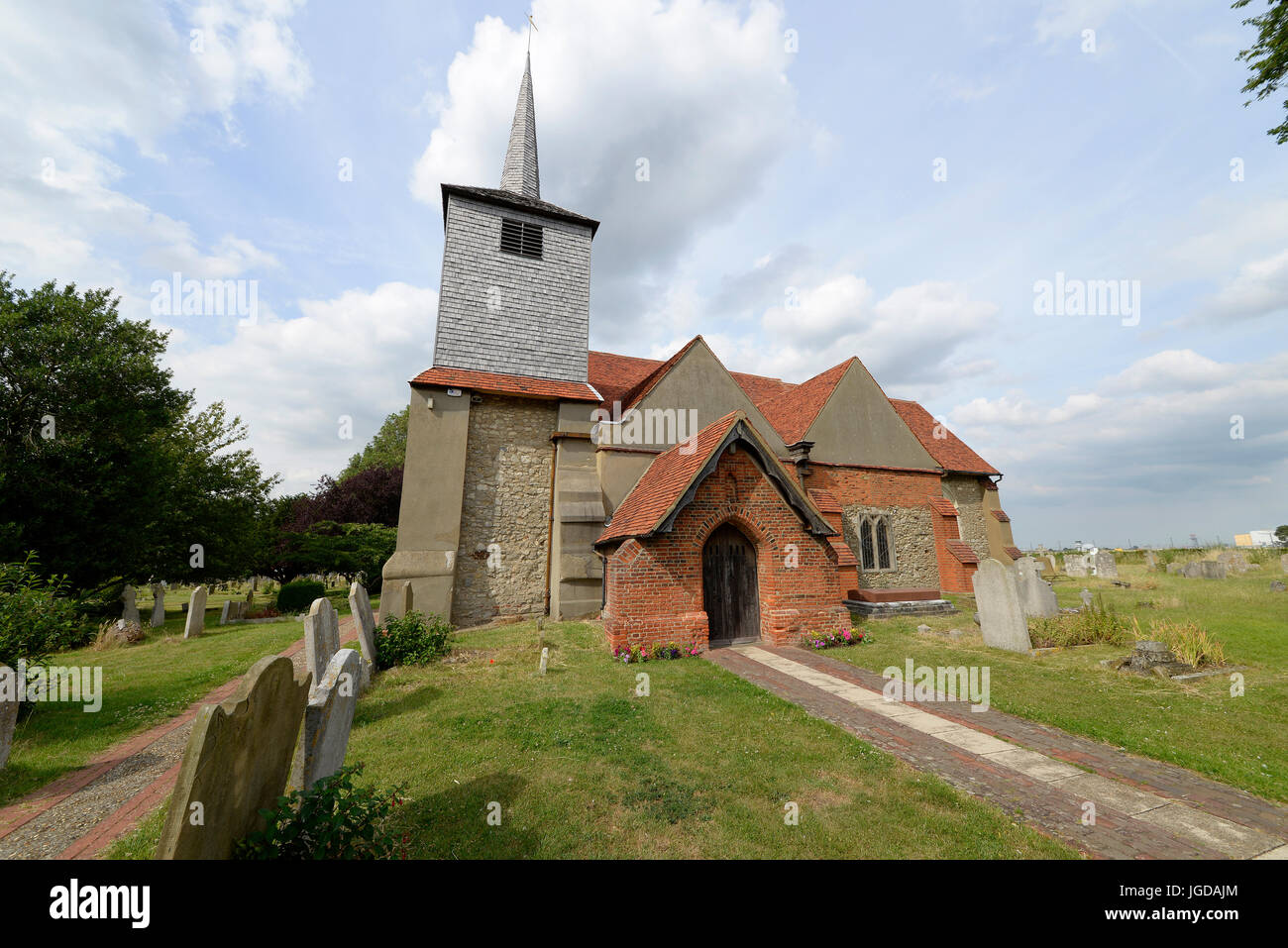 St. Laurence and All Saints Church in Eastwood, Southend, Essex. Next to London Southend Airport. Space for copy - Stock Image