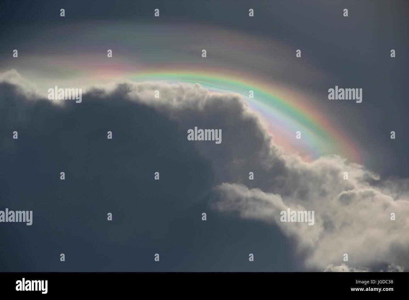 Iridescência, Nuvens. - Stock Image