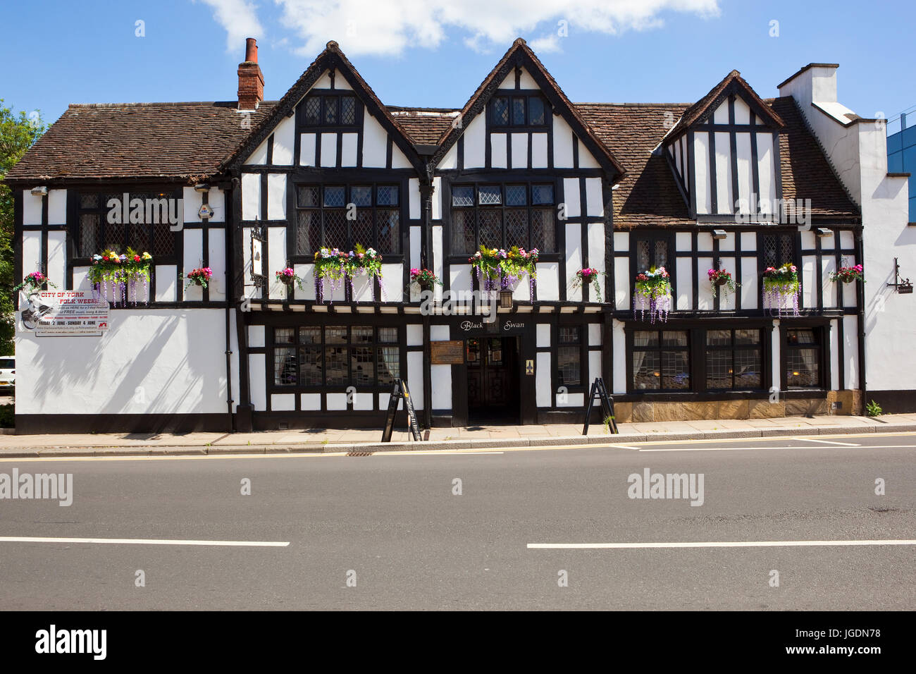 The famous fifteenth century Black Swan Inn at Peasholme green in the historic city of York - Stock Image