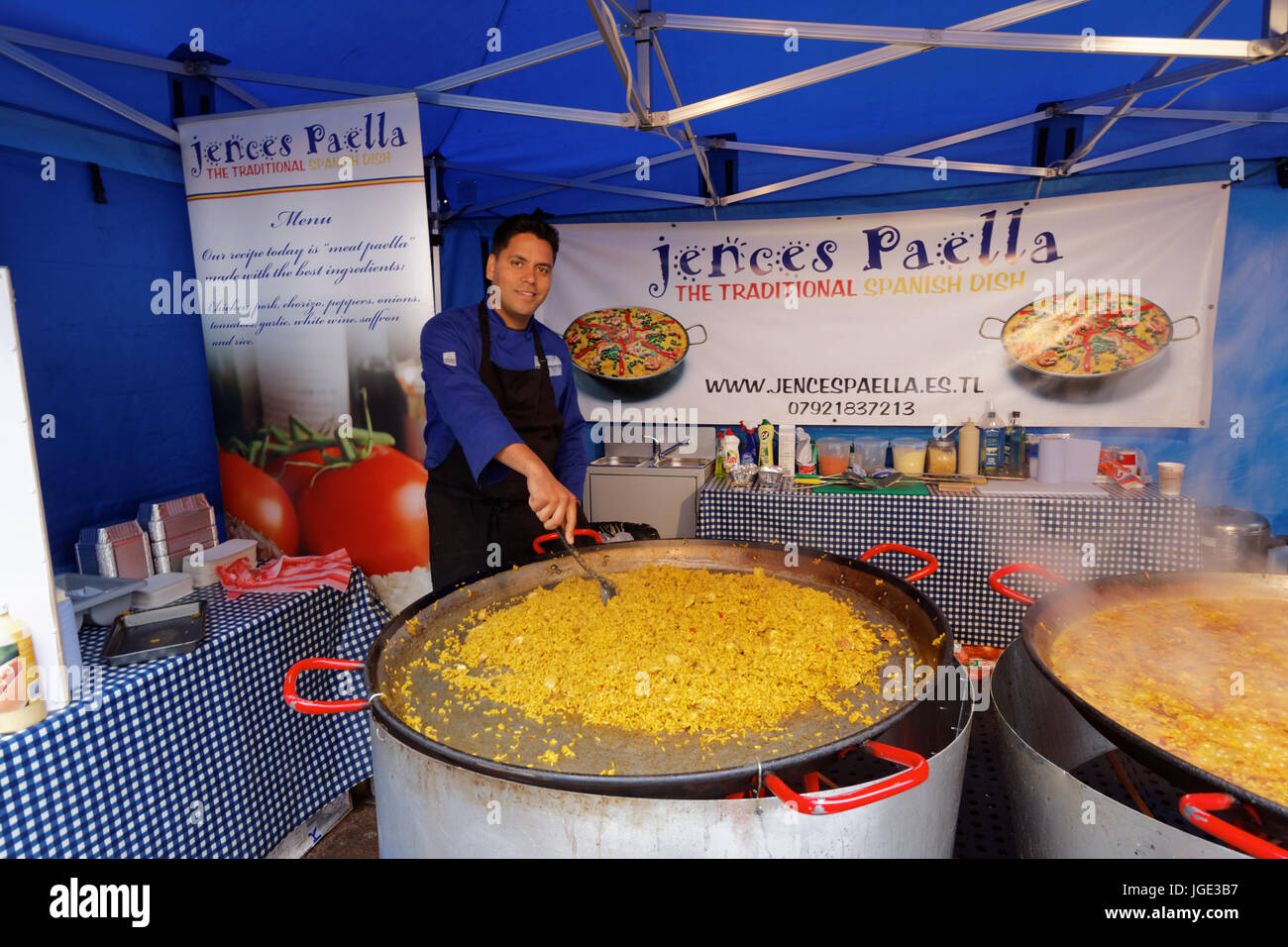 Jences Paella Catering street food paella market stall food festival Glasgow Scotland Glasgow Christmas market - Stock Image