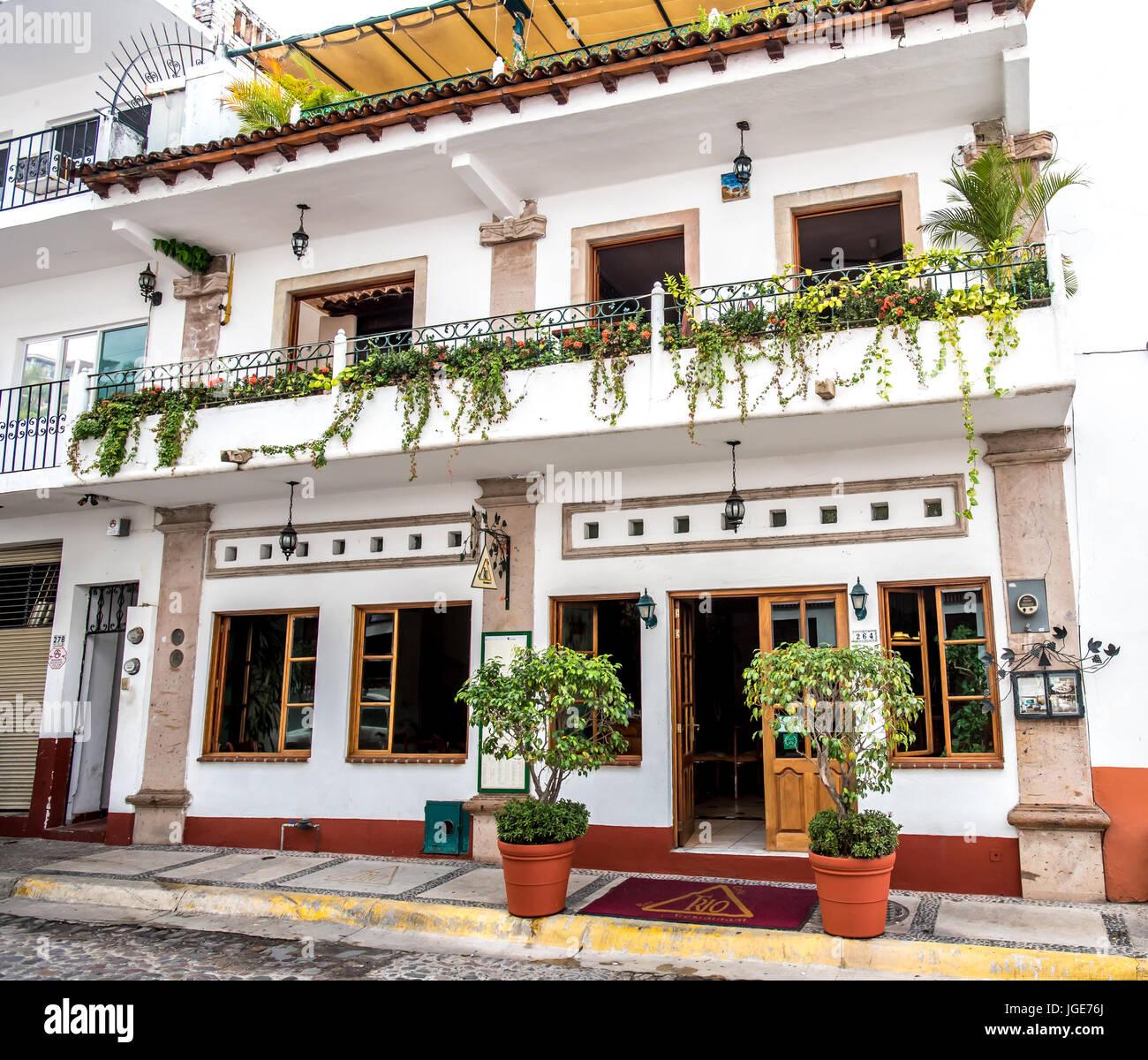Exterior of Trio restaurant in Puerto Vallarta's Zona Romantica or Romantic Zone. - Stock Image