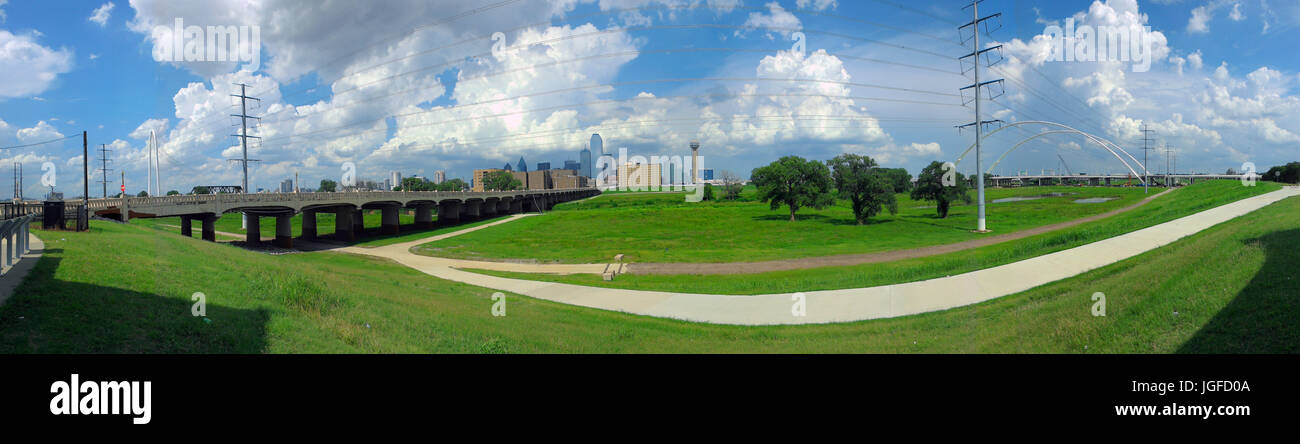 Panoramic view of storm clouds over Dallas from Trinity River Overlook Park; Hunt-Hill bridge (L), Commerce St bridge - Stock Image
