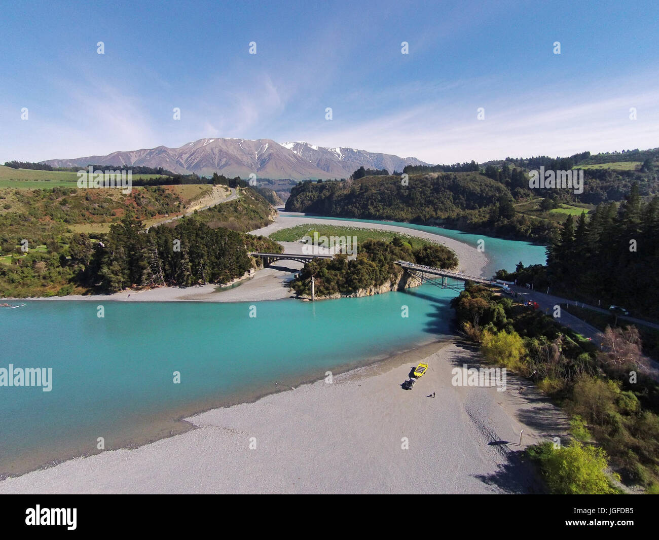 Mount Hutt Range, Rakaia Gorge Bridge (1882), Rakaia River, and Rakaia Gorge, Canterbury, South Island, New Zealand - Stock Image