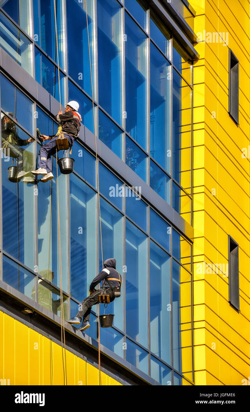 Two Men Cleaning Windows Stock Photos Amp Two Men Cleaning