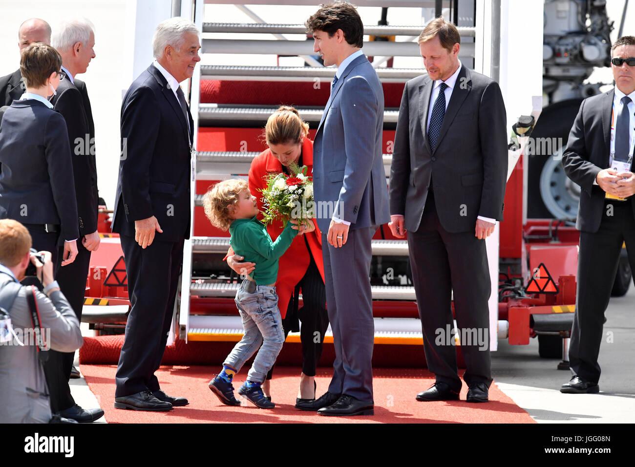 Der kanadische Premierminister Justin Trudeau (M, r), seine Ehefrau Sophie Gregoire (M) und ihr jüngster Sohn - Stock Image