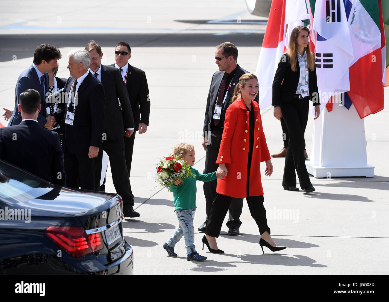 Der kanadische Premierminister Justin Trudeau (l), seine Ehefrau Sophie Gregoire (r) und ihr jüngster Sohn Hadrien Stock Photo
