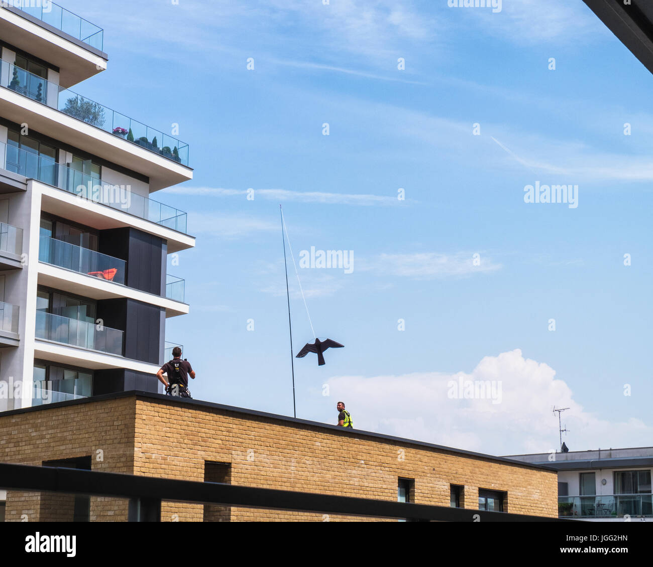 Skyhawk Apartments: London Building Rooftop Stock Photos & London Building