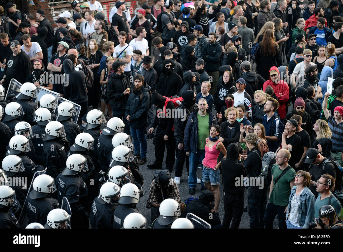 Hamburg, Germany. 6th July, 2017. GERMANY, Hamburg, protest rally 'G-20 WELCOME TO HELL' against G-20 summit - Stock Image
