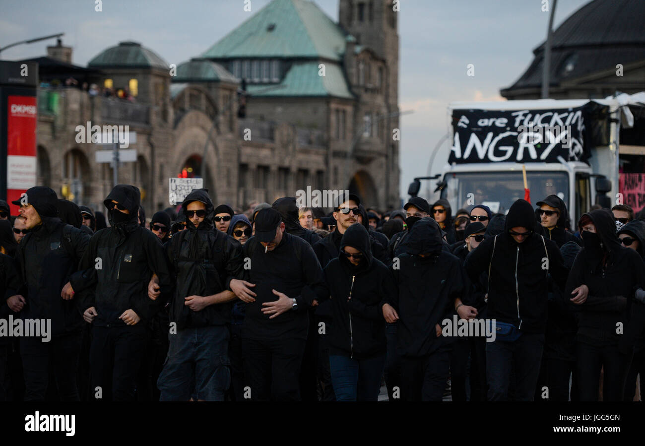 Hamburg, Germany. 6th July, 2017. GERMANY, Hamburg, protest rally 'WELCOME TO HELL' against G-20 summit - Stock Image