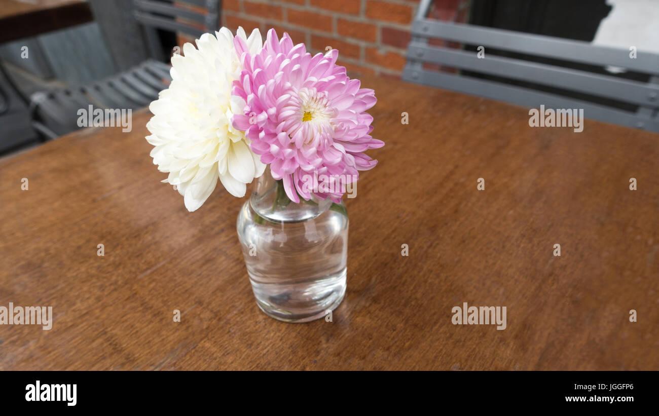 Flower Table Restaurant Stock Photos Flower Table Restaurant Stock