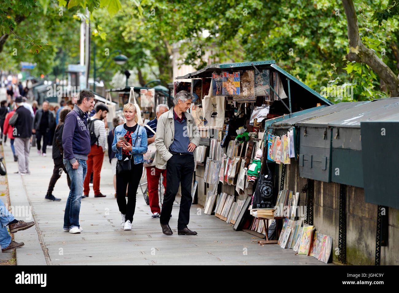Second hand dealer on the seine bank, Paris, France - Stock Image