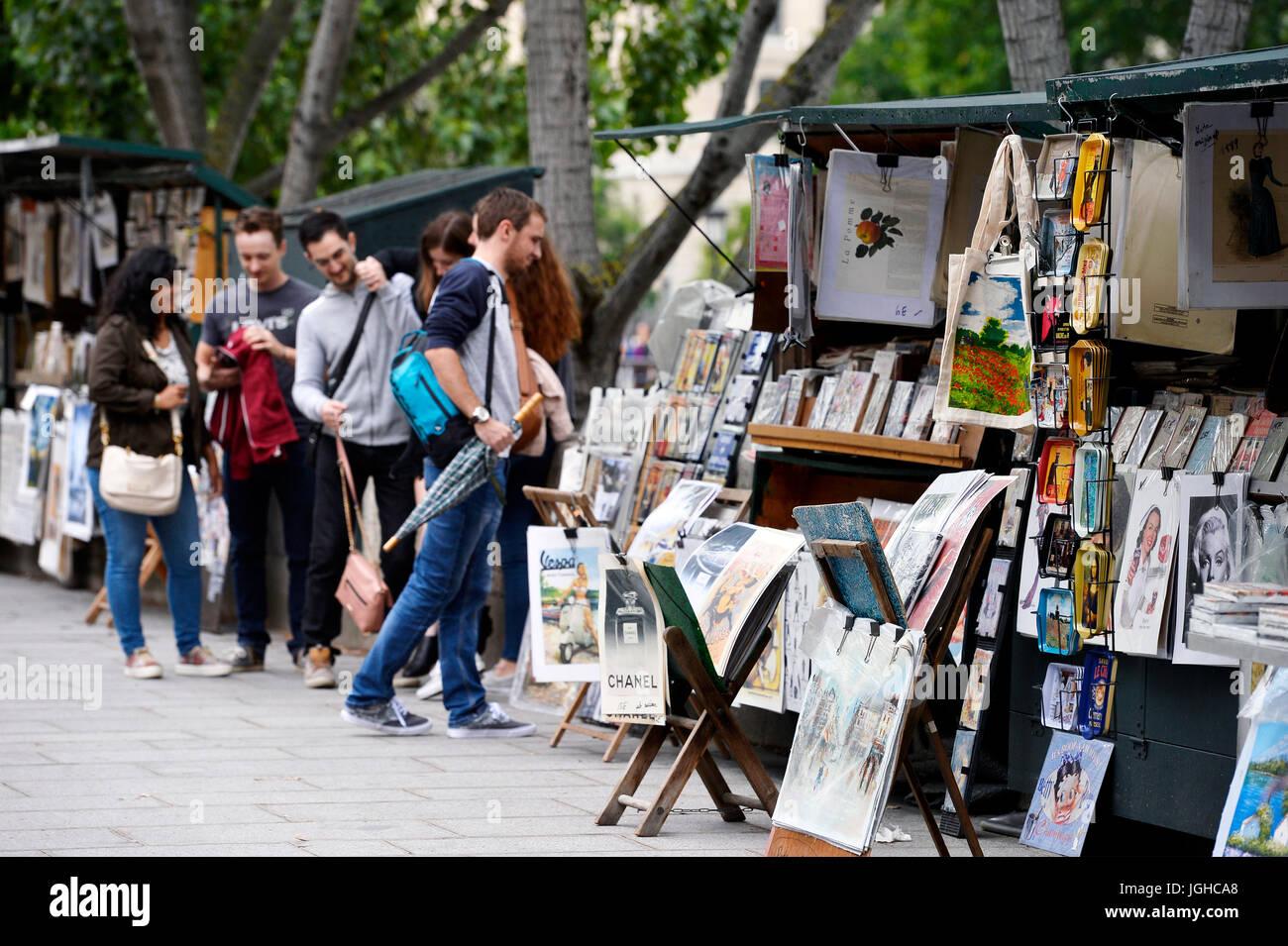 Second hand books dealer on the seine bank, Paris, France - Stock Image