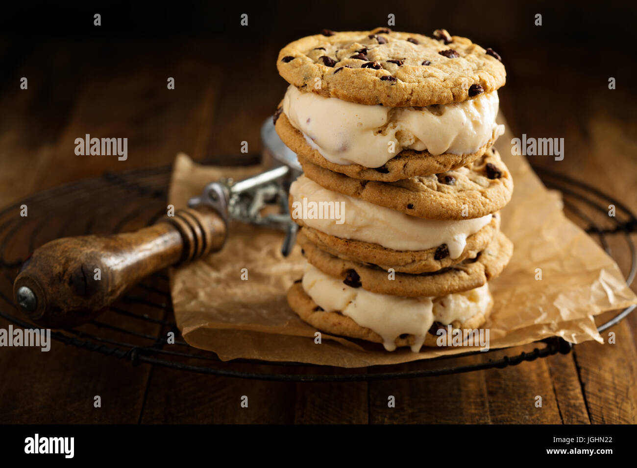 Ice cream sandwiches with chocolate chip cookies - Stock Image