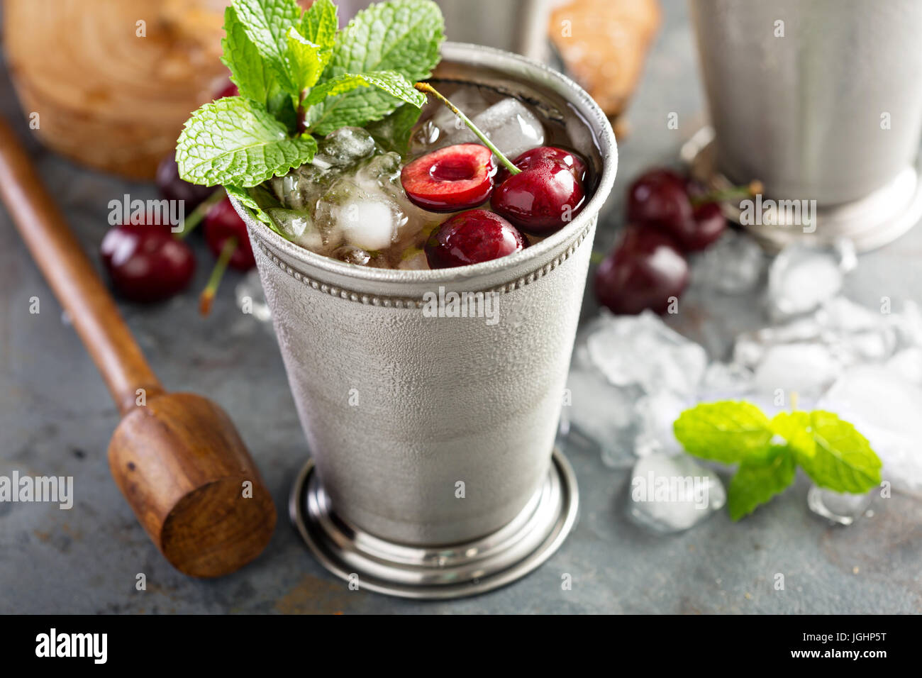 Summer mint julep cocktail - Stock Image