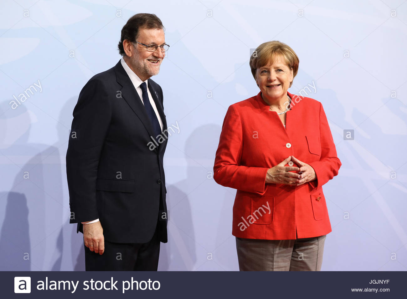 Hamburg, Germany. 7th Jul, 2017. Mariano Rajoy, prime minister of Spain welcomes by German chancellor Angela Merkel Stock Photo