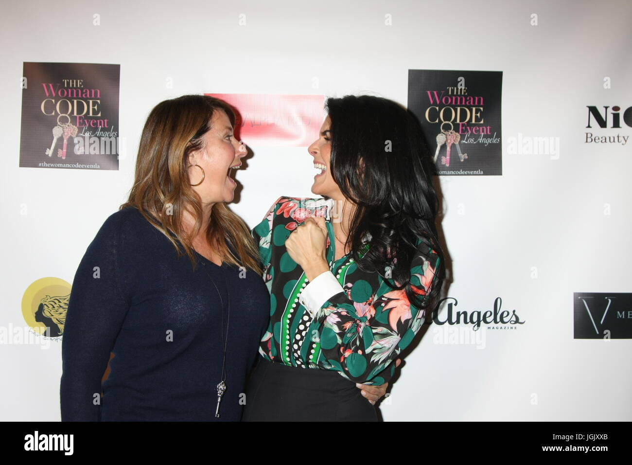 Los Angeles, CA, USA. 29th Jan, 2016. LOS ANGELES - JAN 29: Lorraine Bracco, Angie Harmon at the An Evening with - Stock Image