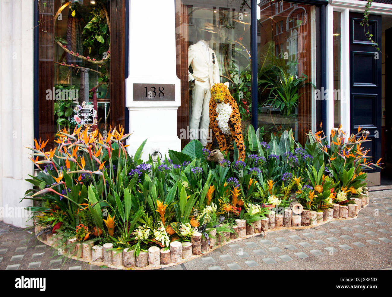 Hackett's Chelsea in Bloom Floral pavement display at 138 Sloane Street, London SW3 - Stock Image