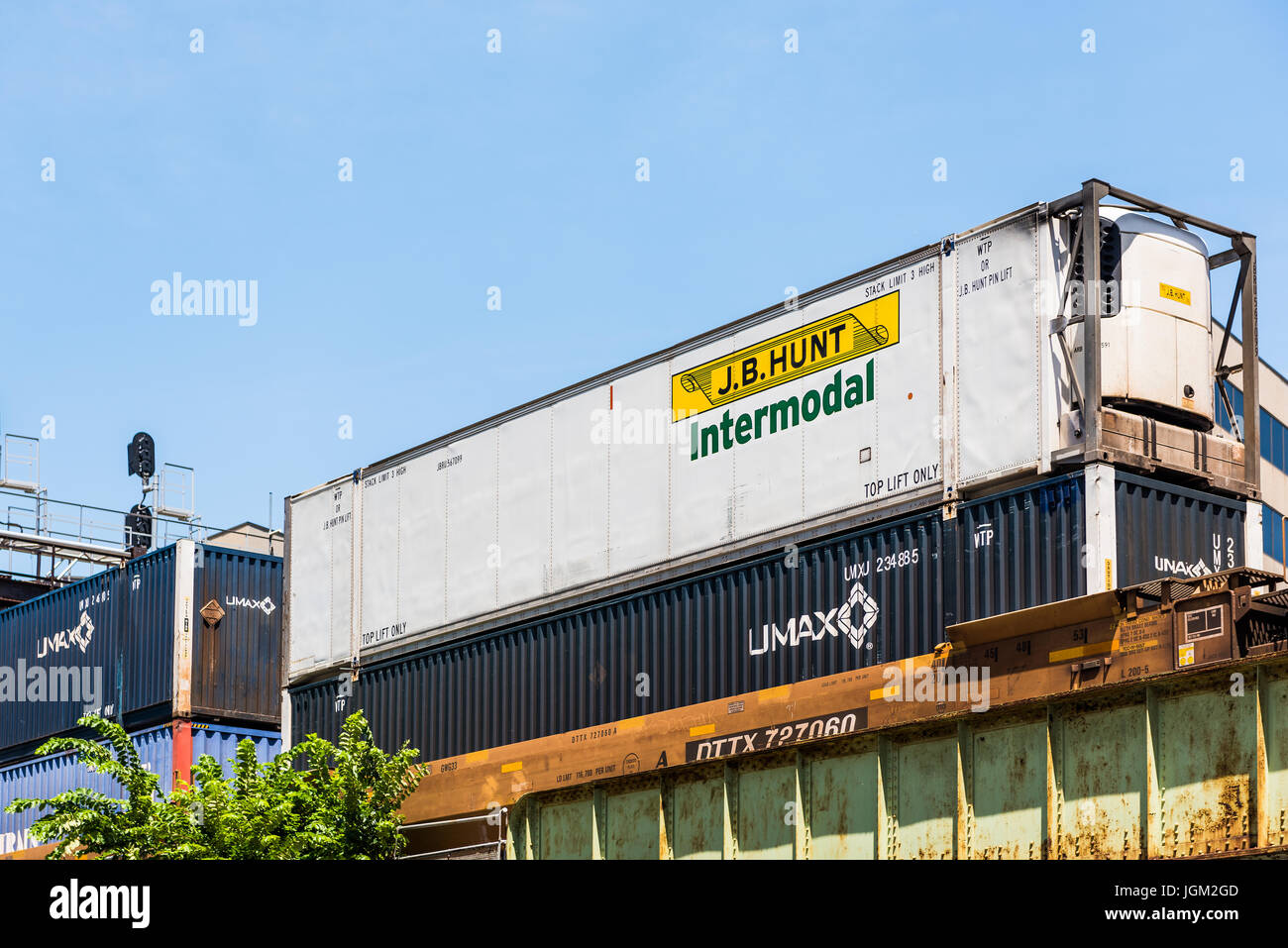 washington dc usa july 3 2017 jb hunt intermodal cargo shipping container on train