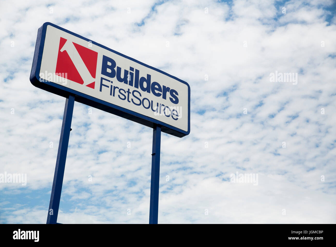 A logo sign outside of a facility occupied by Builders FirstSource, Inc., in Lexington, Kentucky on July 1, 2017. - Stock Image