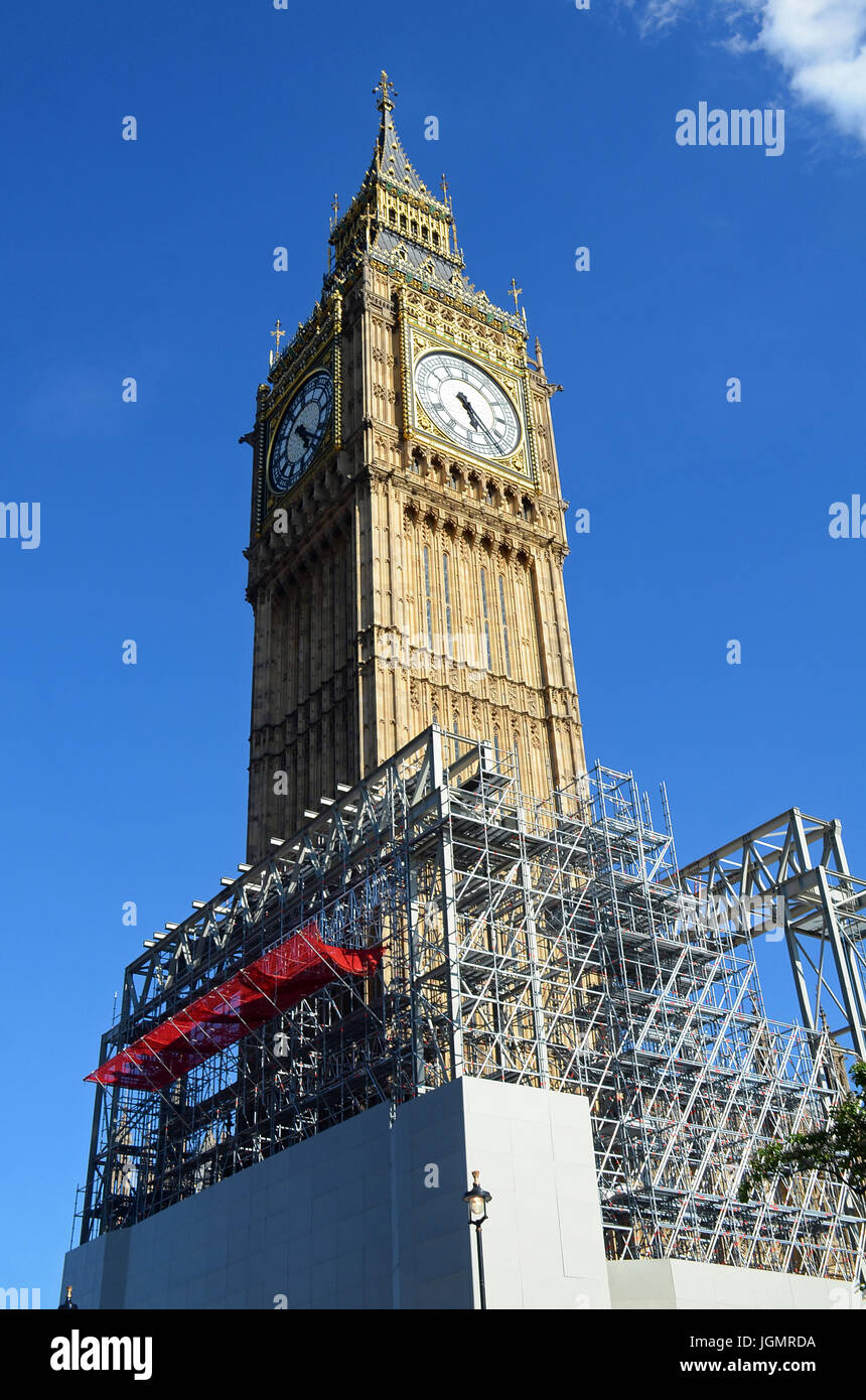 London, UK, 8 July 2017 Scaffolding erected as restoration work starts on the Westminster Houses of Parliament. Stock Photo