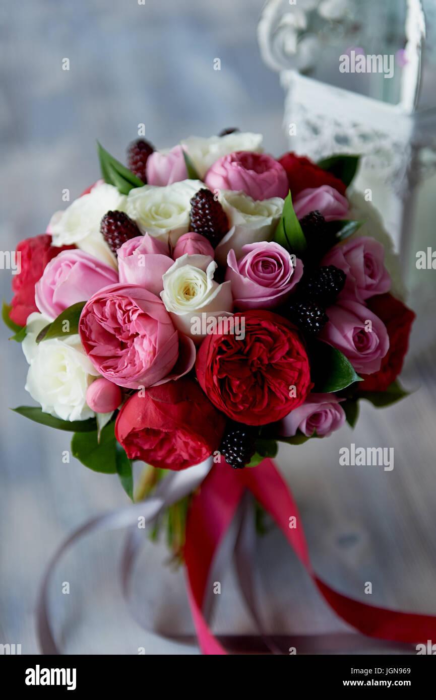 wedding bridal bouquet in red pink white wedding flowers wedding