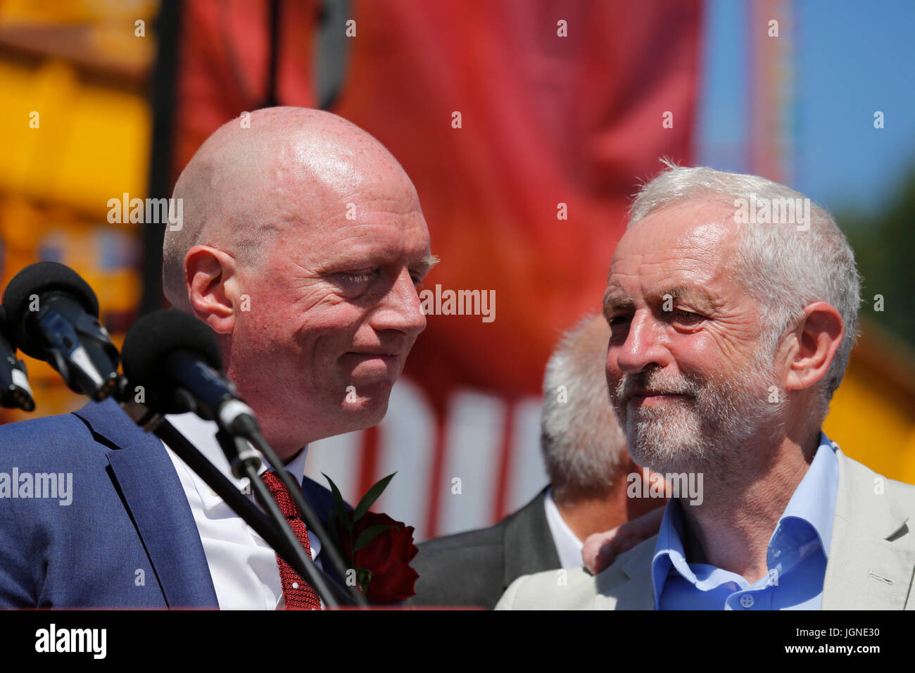 Durham, UK. 08th July, 2017. Matt Wrack, of the Fire Brigades Union, is consoled by Jeremy Corbyn after an emotional - Stock Image
