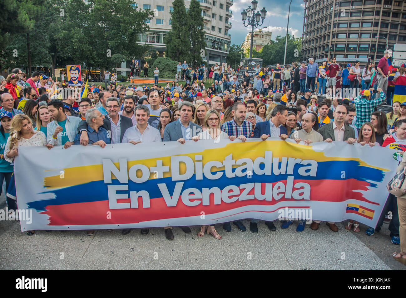 Madrid, Spain. 8th July 2017. March on the streets of Madrid in solidarity with Venezuela the march starts from - Stock Image