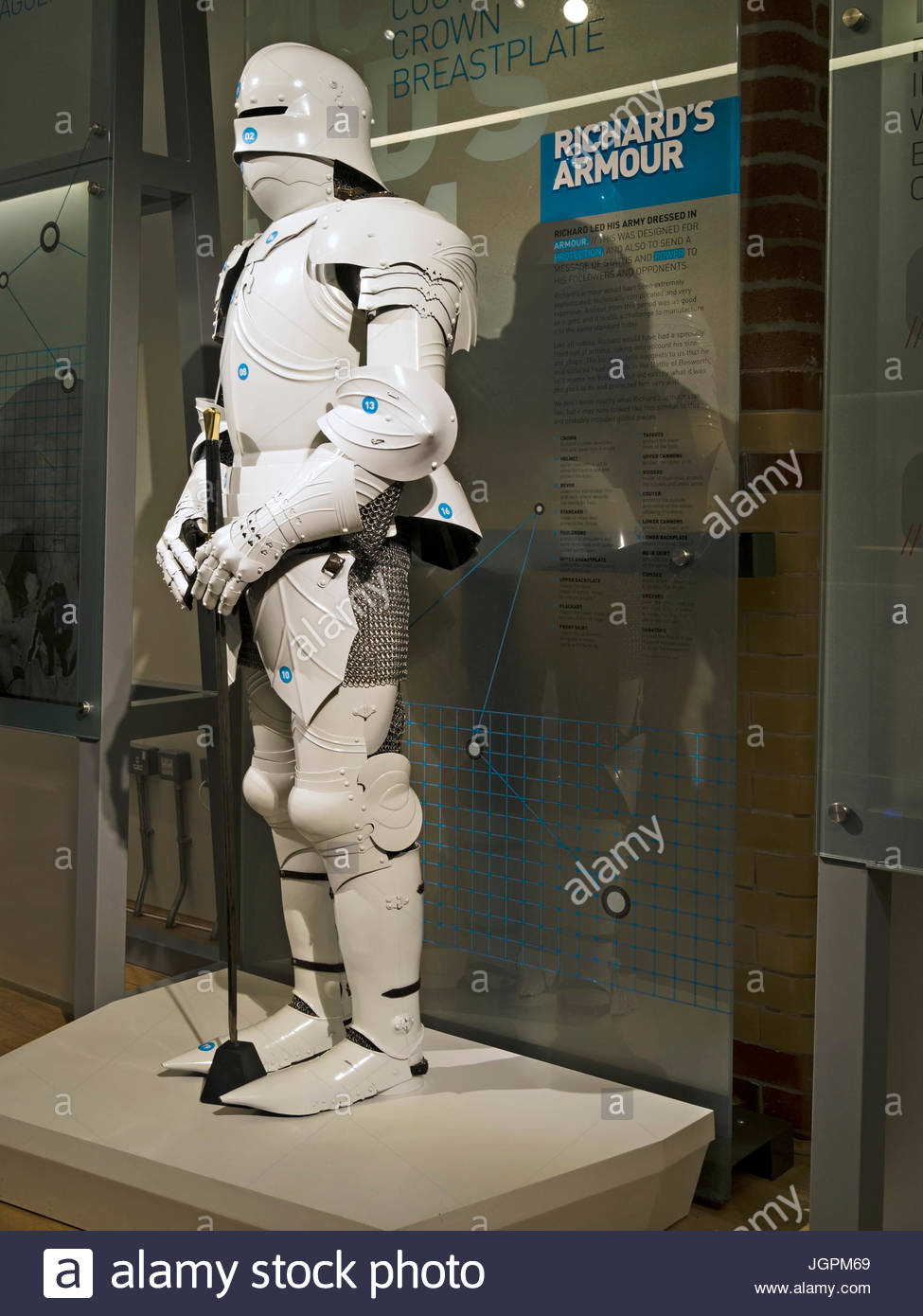 Illustrative reconstruction of King Richard's medieval suit of armour, King Richard III Visitor Centre Exhibition, - Stock Image