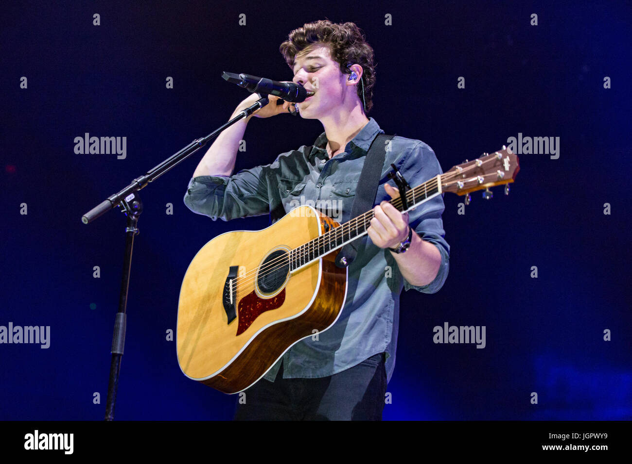 Vancouver, Canada. 8th Jul, 2017. Shawn Mendes Illuminate Tour at Rogers Arena in Vancouver, BC on July 8th 2017 - Stock Image
