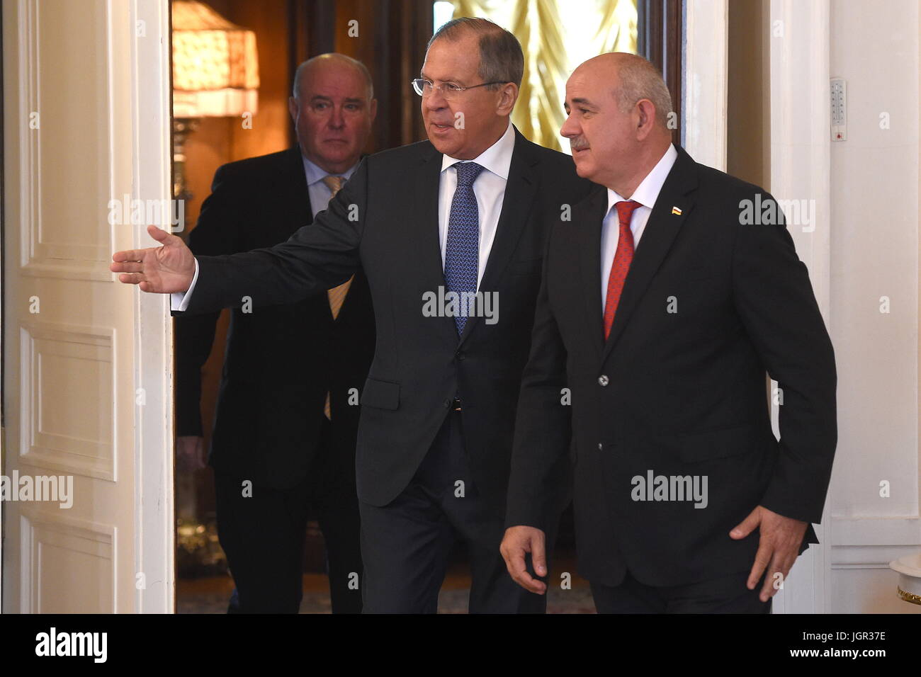 Moscow, Russia. 10th July, 2017. Russia's minister of foreign affairs Sergei Lavrov (C) and South Ossetia's - Stock Image