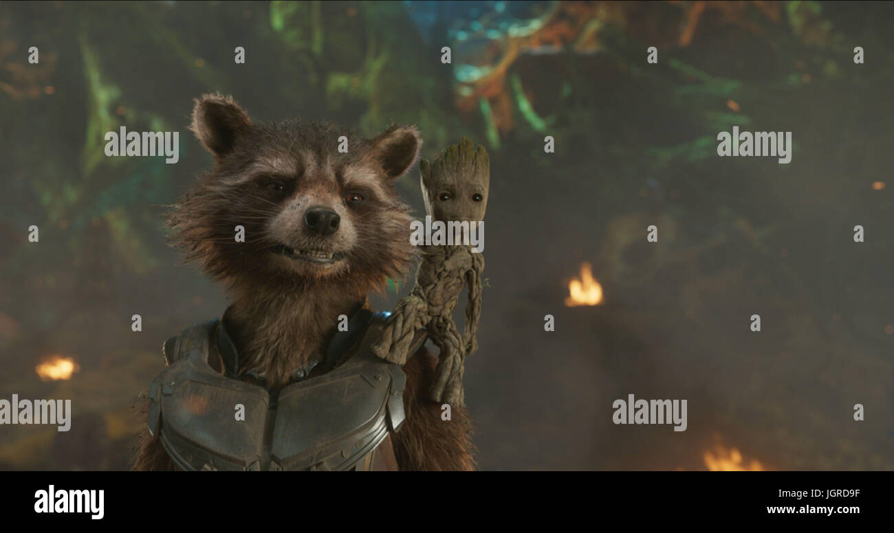GUARDIANS OF THE GALAXY VOL 2 (2017)  ROCKET  BABY GROOT  JAMES GUNN (DIR)  MARVEL STUDIOS/DISNEY/MOVIESTORE COLLECTION - Stock Image