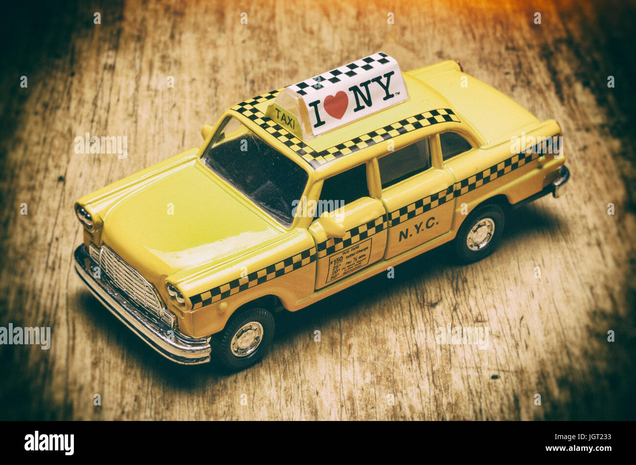 Checker Cab London >> New York City Yellow Taxi Model Car The Old Fashioned