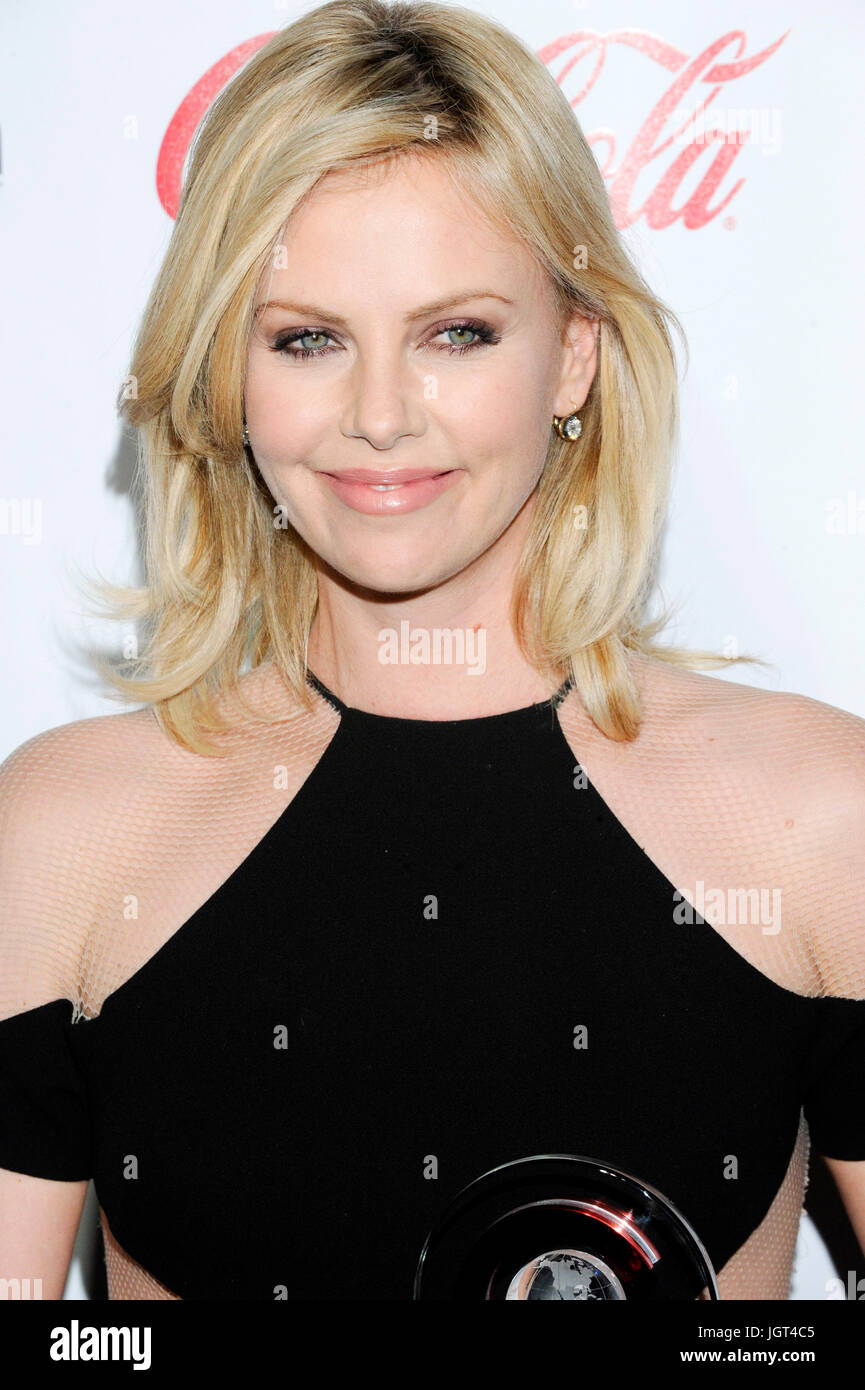 Actress Charlize Theron arrives CinemaCon's Big Screen Achievement Awards ceremony Caesars Palace April 26,2011 - Stock Image