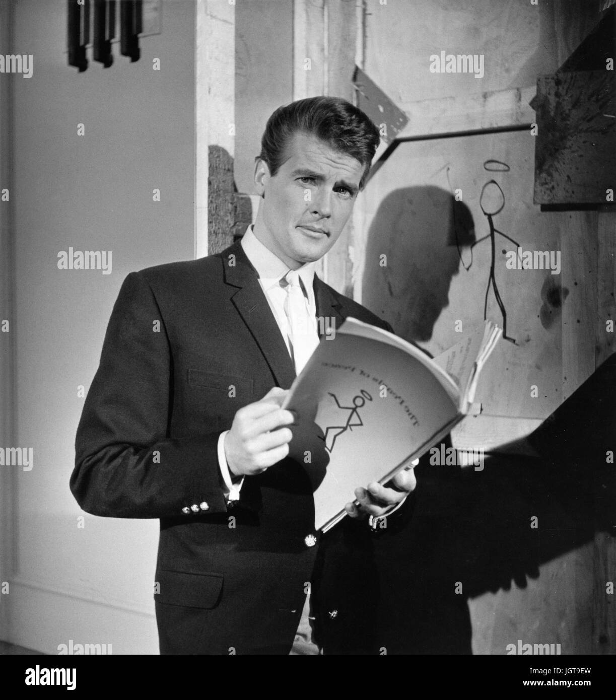 The Saint   TV Series 1962 -1969 USA  Director : John Ainsworth, Robert Asher  Roger Moore.  It is forbidden to - Stock Image