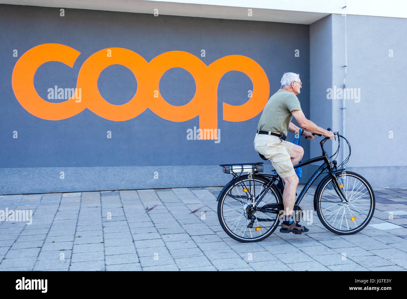 Supermarket retail chain Coop, logo, sign, Czech Republic - Stock Image