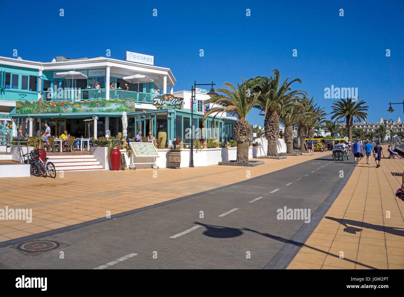 Promenade and cycleway at Playa Matagorda, Puerto del Carmen, Lanzarote island, Canary islands, Spain, Europe - Stock Image