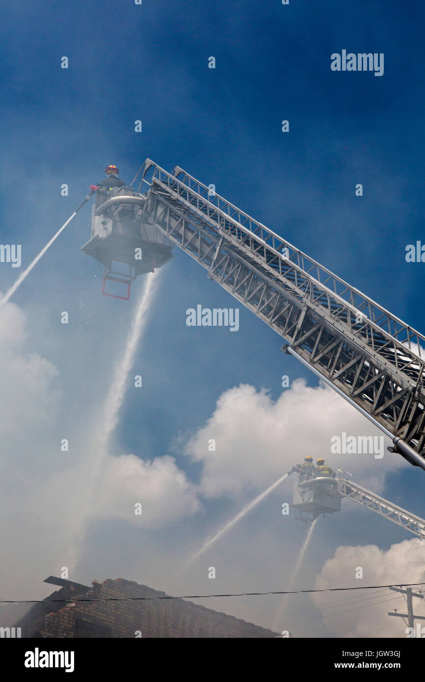 Detroit, Michigan - Firefighters from Detroit and Hamtramck fought a three-alarm blaze at a food warehouse in Detroit's - Stock Image