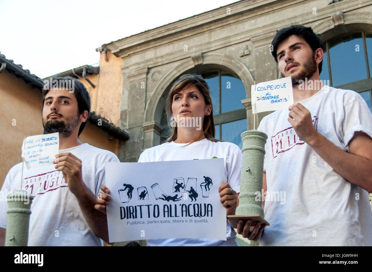 Rome, Italy. 10th July, 2017. Earth Associations gather to defend the public good water and to ask the Raggi administration - Stock Image