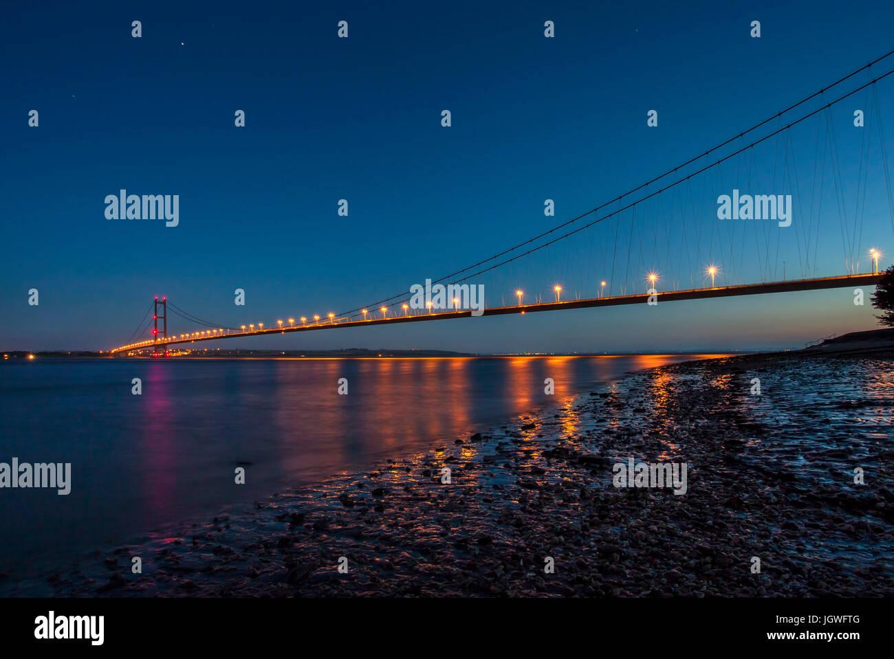 Humber Bridge at night - Stock Image